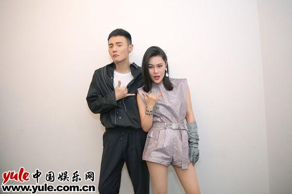 李荣浩、袁娅维时髦出席潮IN盛典 连唱金曲引爆深圳夜空资讯生活
